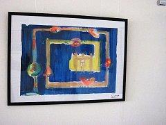 Své abstraktní obrazy vystavuje nyní v Turistickém informačním centru ve Vyškově akademický malíř Jan Pospíšil spolu s plastikami prostějovského rodáka Dušana Kamzíka.