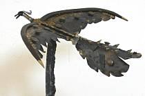 Hned na několik svých výstav navazuje tou vyškovskou prešovský rodák František Varga. Původně strojní mechanik propadl zpracovávání kovu a dřeva.