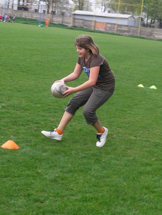 Na akci Pálení čarodějnic na rugbyovém hřišti ve Vyškově si užily zábavu hlavně děti.