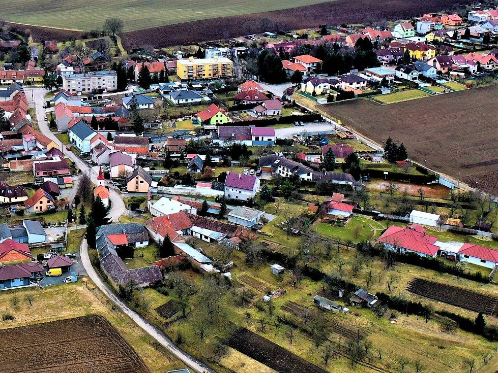 Vyškovsko z ptačí pespektivy. Na snímku Nosálovice.