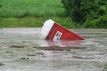 Letošní květnové záplavy ve Slavkově.