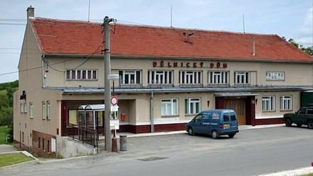 Dělnický dům v Otnicích.