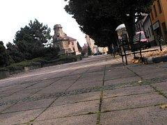 Podomní prodejci nabídnou v Ivanovicích na Hané zboží už jen na vyhrazených místech. Jedním z nich je vymezená plocha na Palackého náměstí.