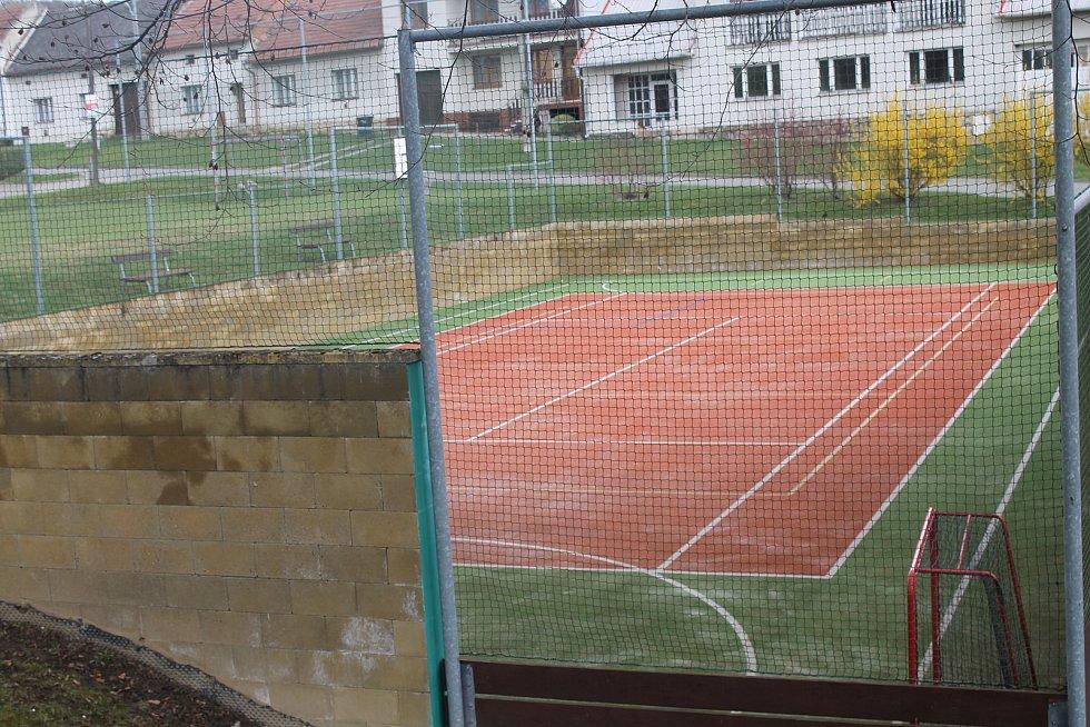 Sportoviště.
