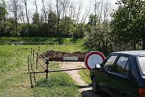 Zábrana u zahrádek ve vyškovské místní části Dědice.