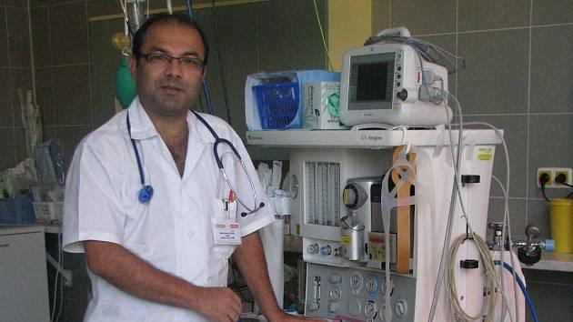 Zástupce primáře chirurgického oddělení vyškovské nemocnice Abdul Shafi Sahely