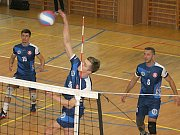V utkání I. ligy volejbalistů porazil Sokol Bučovice (modré dresy) ČZU Praha hladce 3:0.