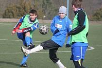 V úvodním utkání B skupiny zimního turnaje fotbalistů v Líšni se hrálo derby Vyškovska. Dražovice v něm porazily Slavkov u Brna 3:2.