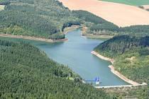 Letecký pohled na Opatovickou přehradu u Vyškova. Ilustrační foto.