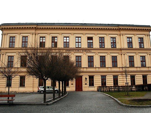 Knihovna Karla Dvořáčka ve Vyškově má pod svými křídly také ostatní knihovny v regionu. Knihy pro ně nakupuje se slevou.