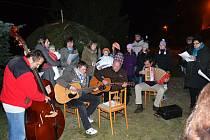 V Krásensku si koledy zazpívali i s basou.