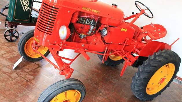 Některé z vystavených exponátů v Muzeu Vyškovska zapůjčilo Muzeum zemědělských strojů z Hoštic-Heroltic.