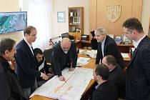 O budoucnosti nádraží jednali zástupci města, Správy železnic i zákonodárci.