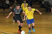 Futsalisté týmů Brikety-pelety Štěpán Vyškov (BPŠ) a FC Kloboučky.
