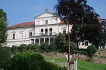Habrovanský zámek je domovem pro lidi se zdravotním postižením i penzisty.
