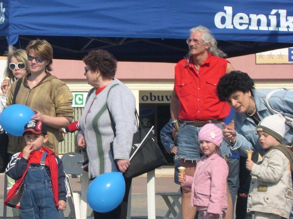 Krásné počasí a zajímavý program pro dospělé i děti  přilákal občany Vyškova na Den s Deníkem.