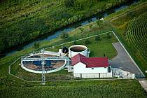 Na čističku odpadních vod jsou napojené Křenovice i Hrušky.