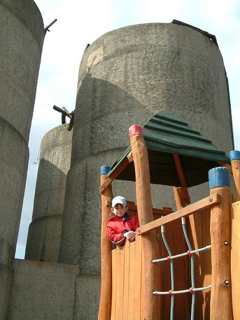 Senážní věže v zooparku