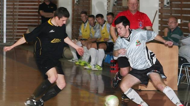 Ve vyškovském derby futsalové divize E porazil Pivovar Vyškov Lazor-Domus vysoko 12:5.