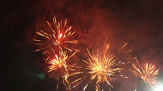 Ohňostroj rozzářil oblohu nad Ivanovicemi. Poprvé na Nový rok