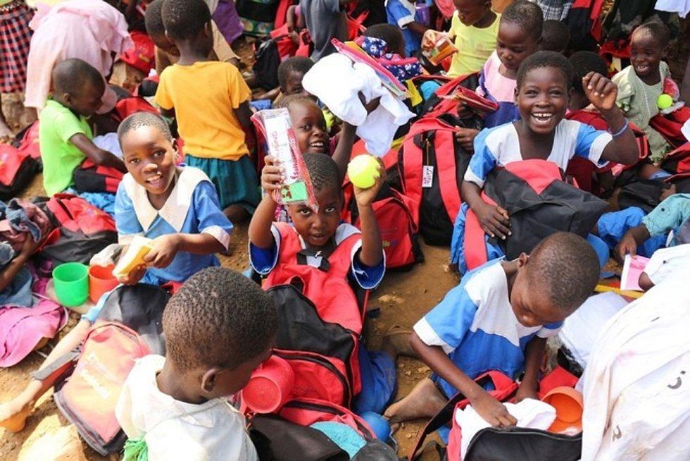 Africkým dětem často chybí i základní pomůcky. Ilustrační foto.