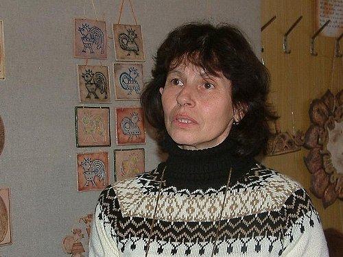 Autorka vystavených kousků Irena Novotná je nadaná, ale hodně skromná. Práce s keramikou je pro ní odreagováním.