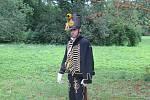 Náročný den měli i lidé v dobových kostýmech. Občas z koně i padalo.