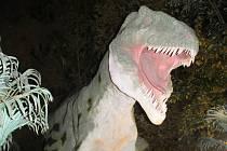 Noční prohlídky ve vyškovském DinoParku.