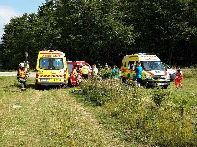Pět lidí se zranilo při nehodě ve Vyškově.