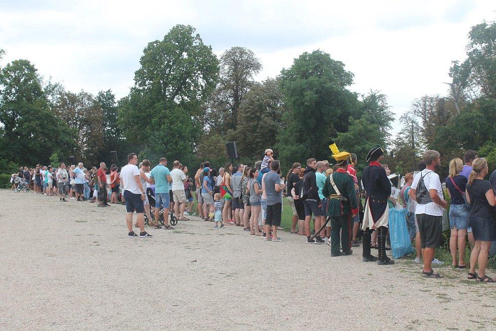 I přes nepřízeň počasí akci navštívilo návštěvníků dost.