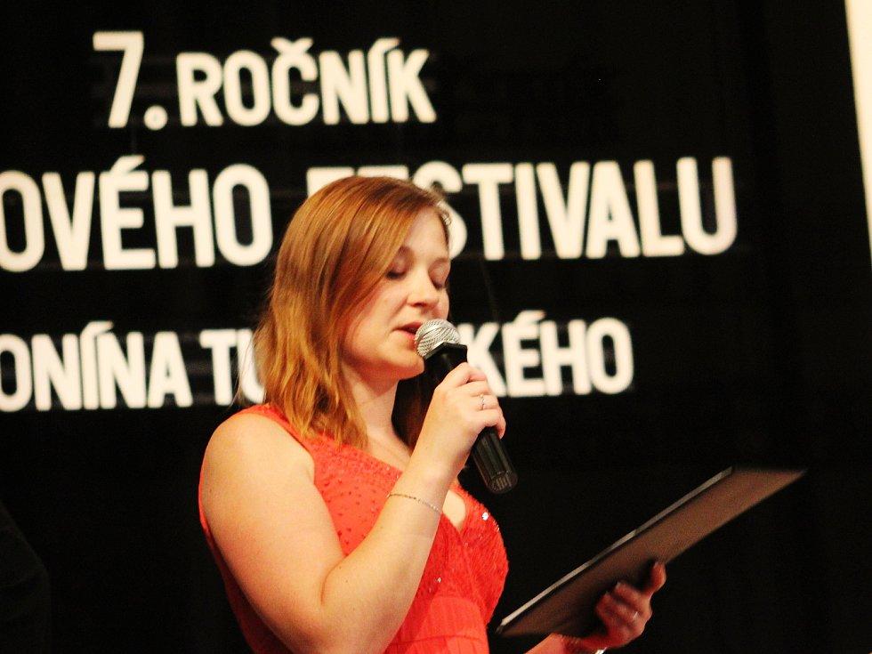Soutěžní přehlídky se na sedmém ročníku sborového festivalu Dr. Antonína Tučapského ve Vyškově zúčastnilo sedm těles. Z toho dvě z Vyškova.