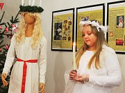 Návštěvníci Muzea Vyškovska se v sobotu dozvěděli, jak slaví Vánoce v jiných zemích než v České republice. Zvyky jsou mnohdy dost odlišné a zdaleka ne všude naděluje dárky pod stromeček Ježíšek.