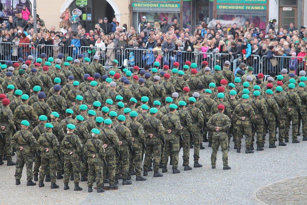 Na Masarykově náměstí ve Vyškově přísahalo šest set vojáků věrnost své zemi.