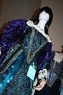 Kostýmy z legendární pohádky Arabela vystavují ve Vyškově.