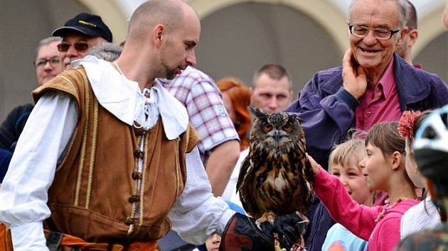 Sokolník potěší děti v Kozlanech.