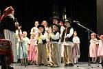 Již padesát let je Marie Pachtová vedoucí a choreografkou Dětského folklorního souboru Klebetníček.