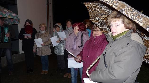 Také Hruškami se loni rozezněly vánoční koledy.