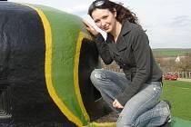 Dvaadvacetiletá Kristina Jarmarová má neobvyklého koníčka. Zabývá se průzkumem bunkrů.