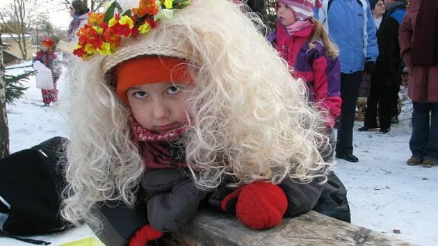 Kluziště na drnovickém dětském hřišti Na Křivdě ovládli malí i velcí převlečení za pohádkové bytosti.