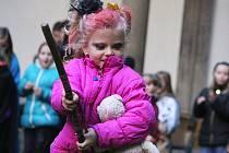 Desítky dětí si v neděli užily první Kouzelnické odpoledne na zámku v Bučovicích.