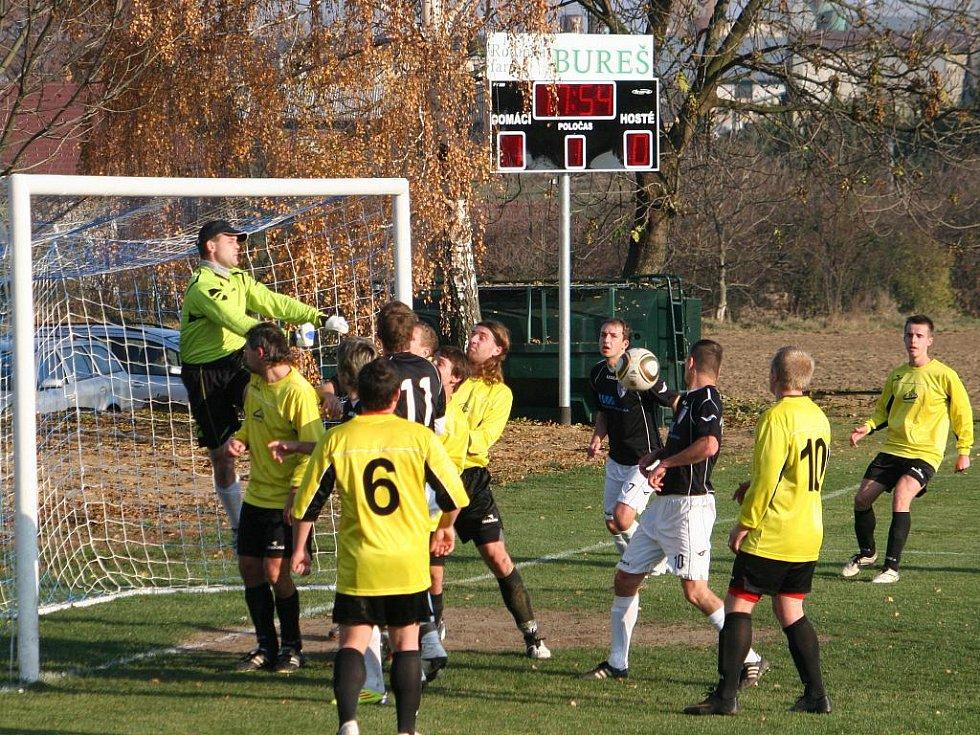 Fotbalové derby Švábenice (v černých dresech) vs. Ivanovice.