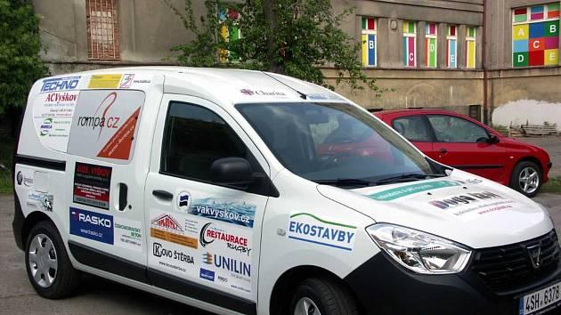 Charita Vyškov bude využívat nové auto Dacia Dokker hlavně na terénní výjezdy za klienty po celém regionu.