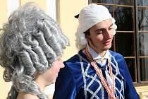 Brány slavkovského zámku se otevřely návštěvníkům. Turistická sezona začíná.