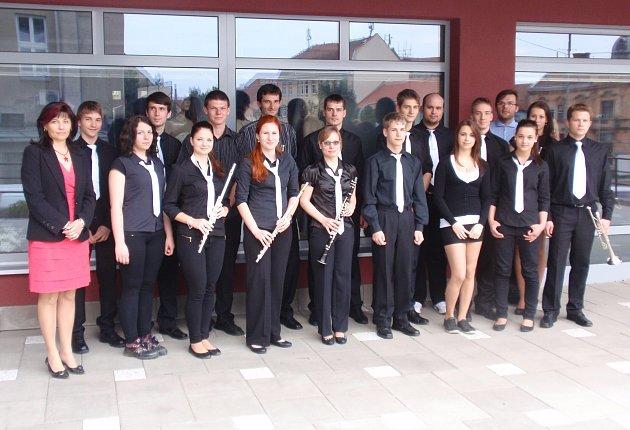 Jazzu se na Základní umělecké škole Arthura Nikische vBučovicích daří. Skupina vystupuje až ve dvaceti členech a svojí velikostí je tak vjazzovém odvětví na Vyškovsku jedinečná. Koncertovala ivSenátu nebo při návštěvě prezidenta.