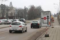 Loňské opravy na silnici I/50 ve Slavkově u Brna.