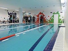 Nový bazén už těší žáky Základní školy Purkyňova ve Vyškově.