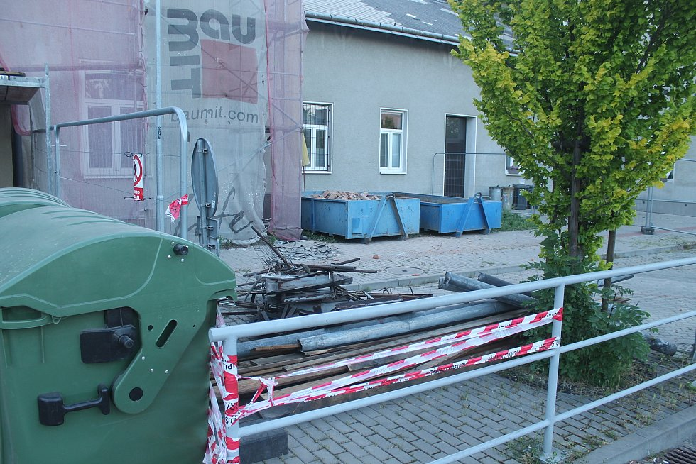 Opravy nádražní budovy ve Vyškově.