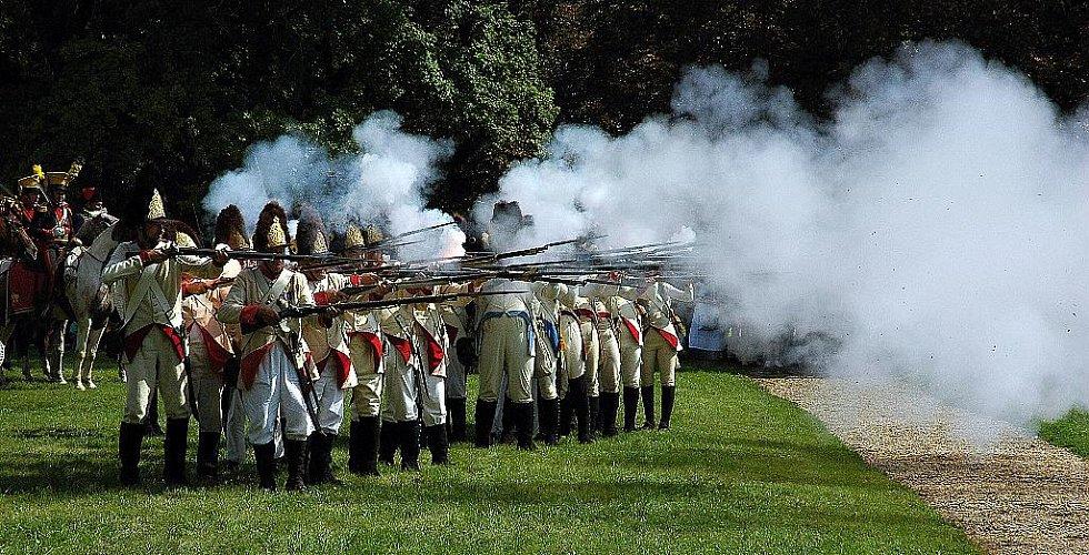 Napoleonské dny ve Slavkově - Spojenecká pěchota se brání útoku Francouzů