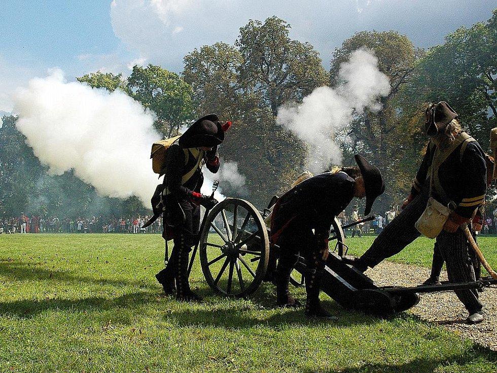 Napoleonské dny ve Slavkově - Francouzi si přizvali na pomoc dělostřelectvo.