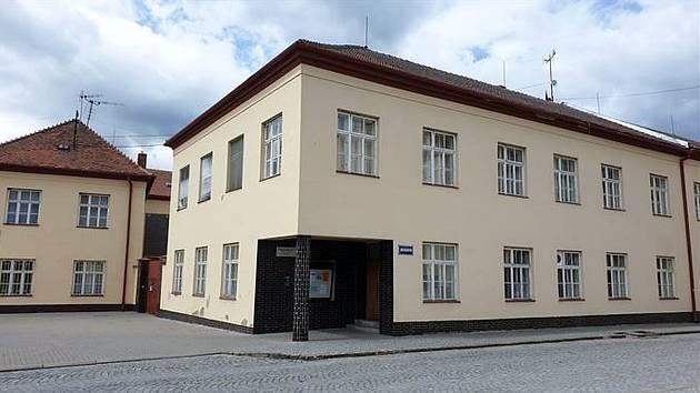 Bučovice získaly budovu bývalé obchodní akademie od Jihomoravského kraje před dvěma lety.